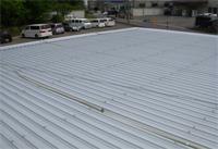 【アフター】 施工後の屋根はやまなみGL鋼板です。