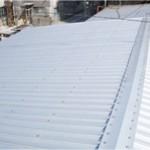 工場の暑さと屋根の老朽化を一挙解決