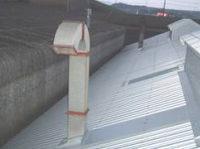 【アフター】 使用されている煙突の回りももちろん板金技術でしっかり雨漏り対策です。