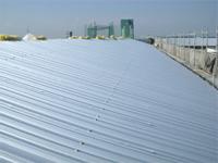 【アフター】 施工後の屋根 (棟部分はまだ施工中です)