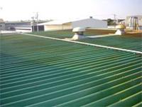 【ビフォー】 施工前の鉄板屋根の写真