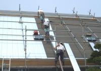 (3)3人がそれぞれ施工場所を担当。