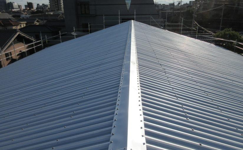 施工実績027 雨漏り修繕のための屋根重ね葺き工事|三重県四日市市