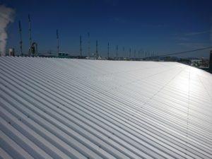 屋根重ね張り工事の写真です