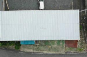新しく折板屋根を重ね葺きしました