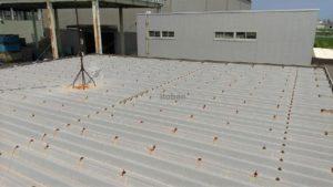 既存屋根は折板屋根でした