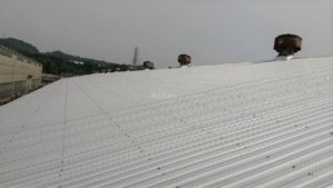 施工後ガルバリウム鋼板の屋根です