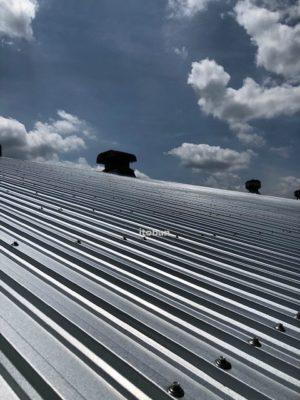 屋根工事が完了しました